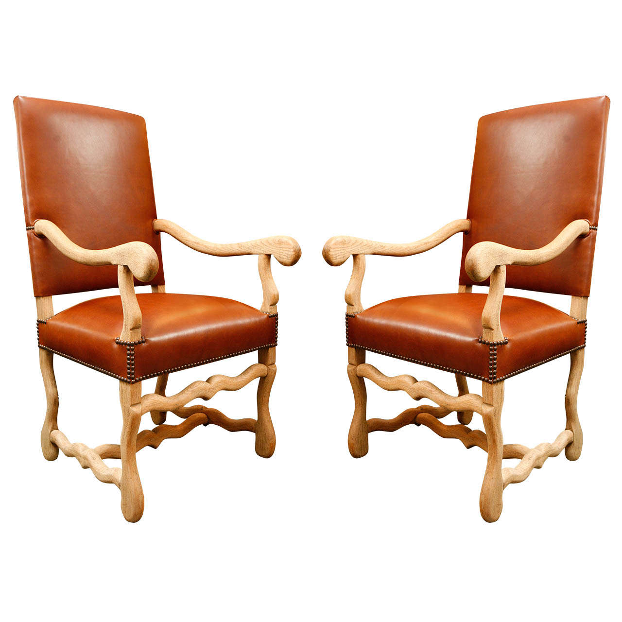 19th c. Pair of Chairs in Beechwood and Elm, Upholstered in Leather.
