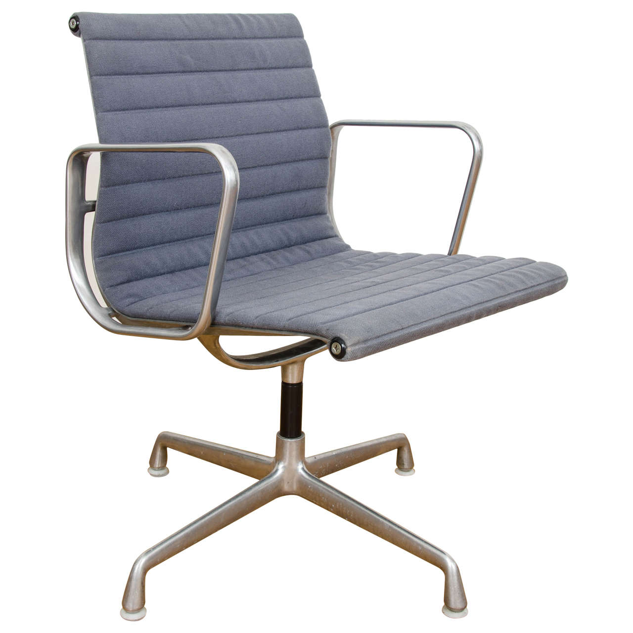 Eames Aluminium Group Management Chairs At 1stdibs