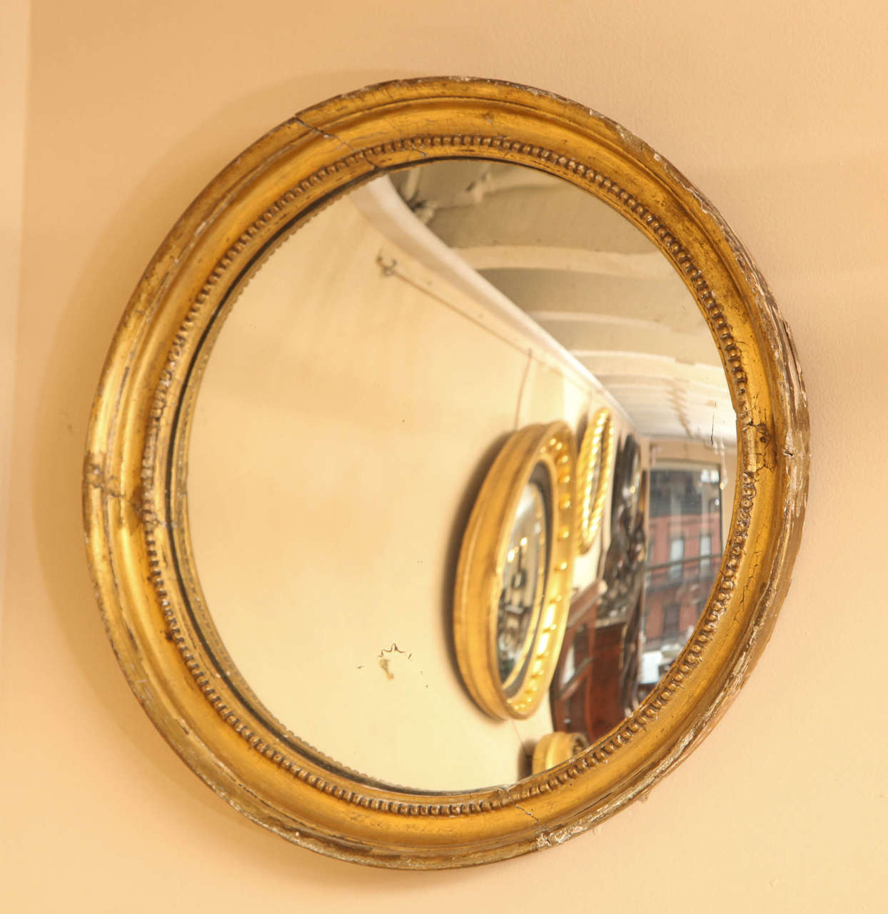 Late 19th Century English Convex Mirror In Good Condition For Sale In New York, NY