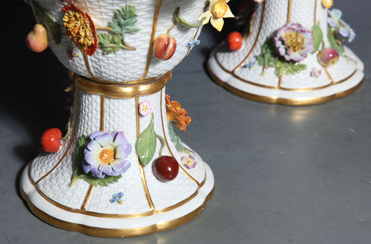 Pair of Meissen Porcelain Vases Encrusted with Raised Flowers and Fruits For Sale 3