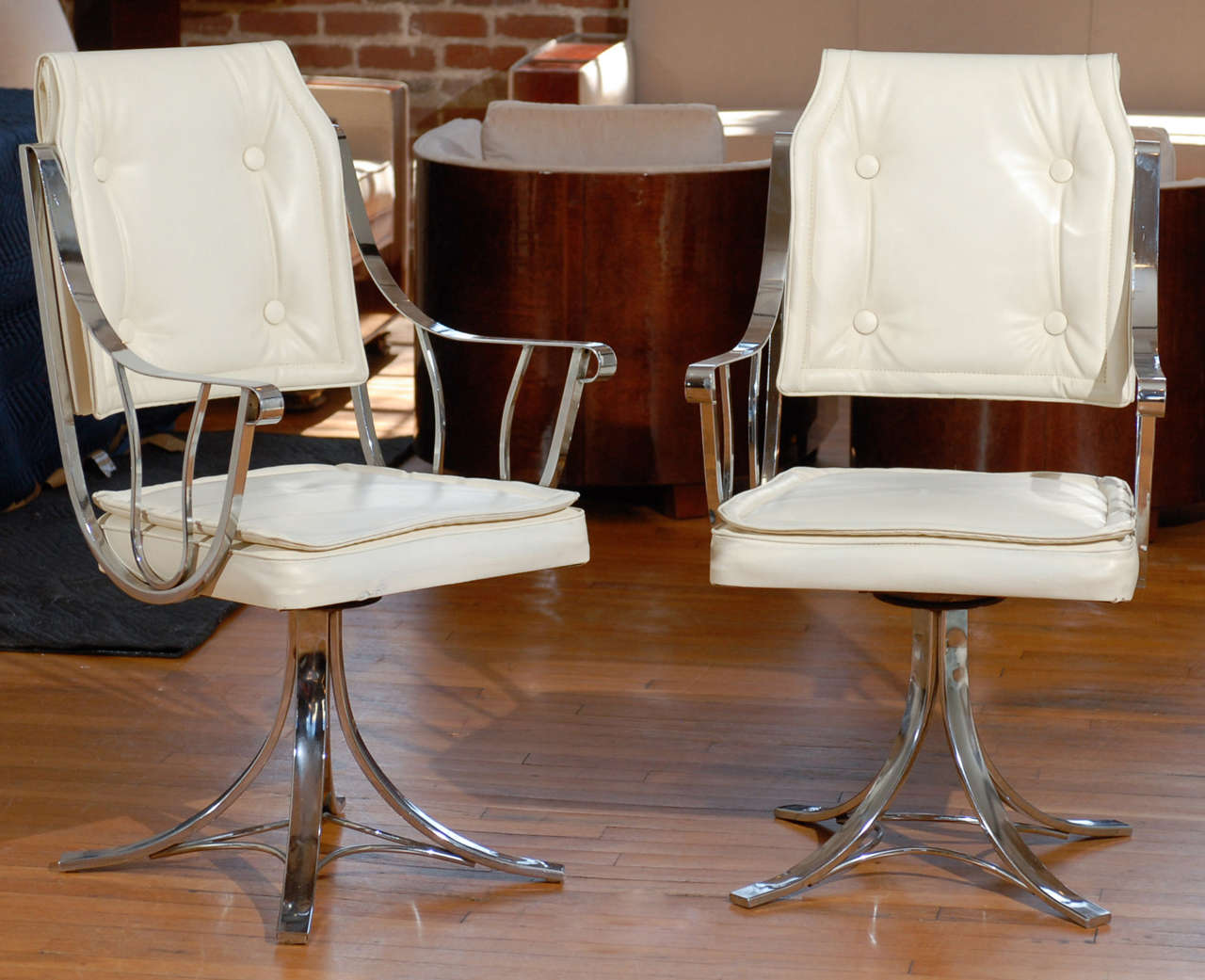 Set Of Four Vintage Swivel Armchairs By Contempo At 1stdibs