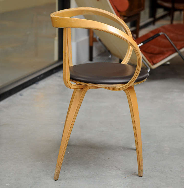 American George Nelson   Pretzel Chair, Pair For Sale