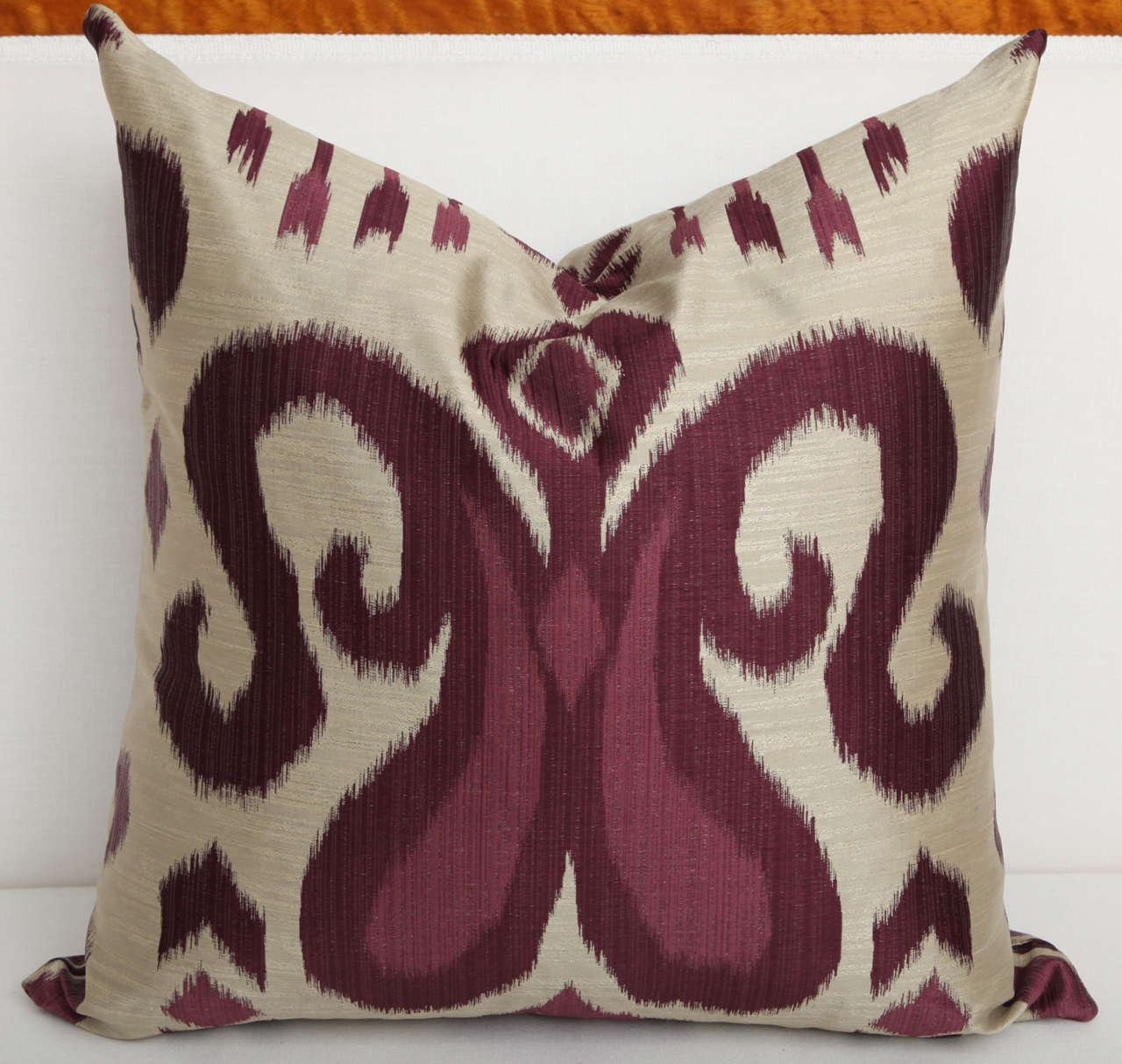 Pair of Amethyst and Silver Silk Pillows 4