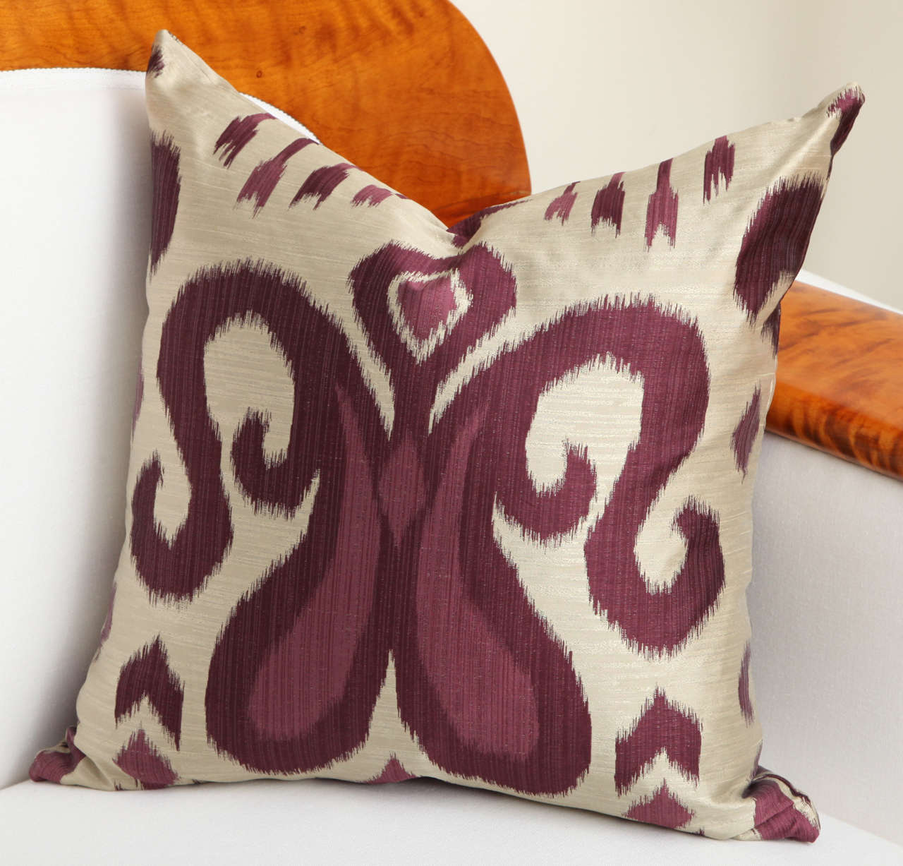 Pair of Amethyst and Silver Silk Pillows 6
