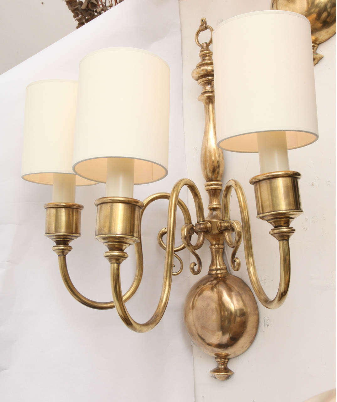 Pair of 1920s Classical Modern Brass Wall Sconces For Sale at 1stdibs