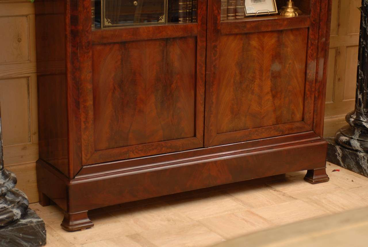 Restoration Period Mahogany Bookcase Circa 1830 At 1stdibs