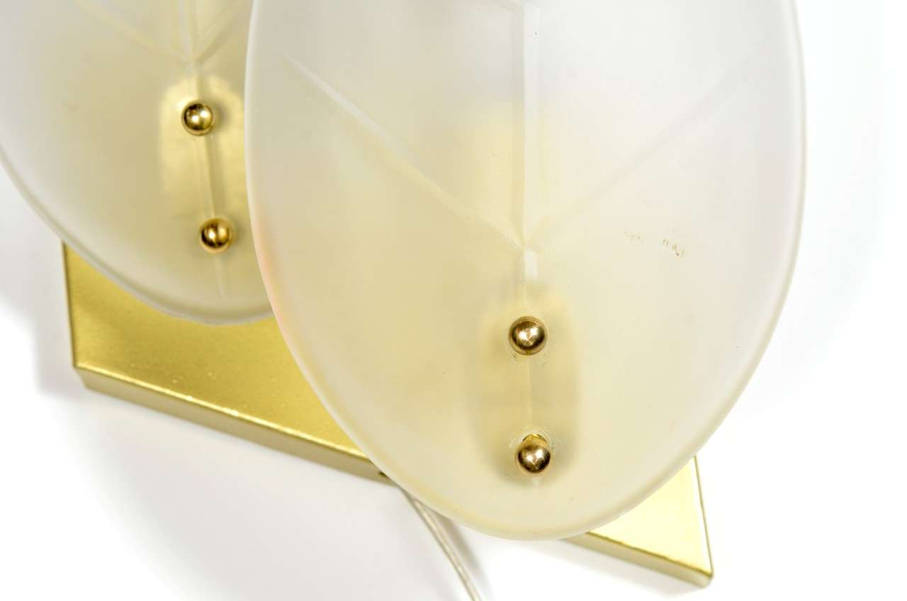 20th Century Pair of Mid-Century Modernist Stylized Leaf Frosted Glass Sconces For Sale