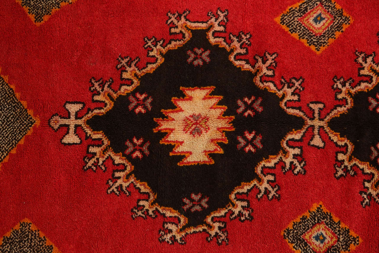 Vintage Moroccan Tribal African Rug In Good Condition For Sale In Los Angeles, CA