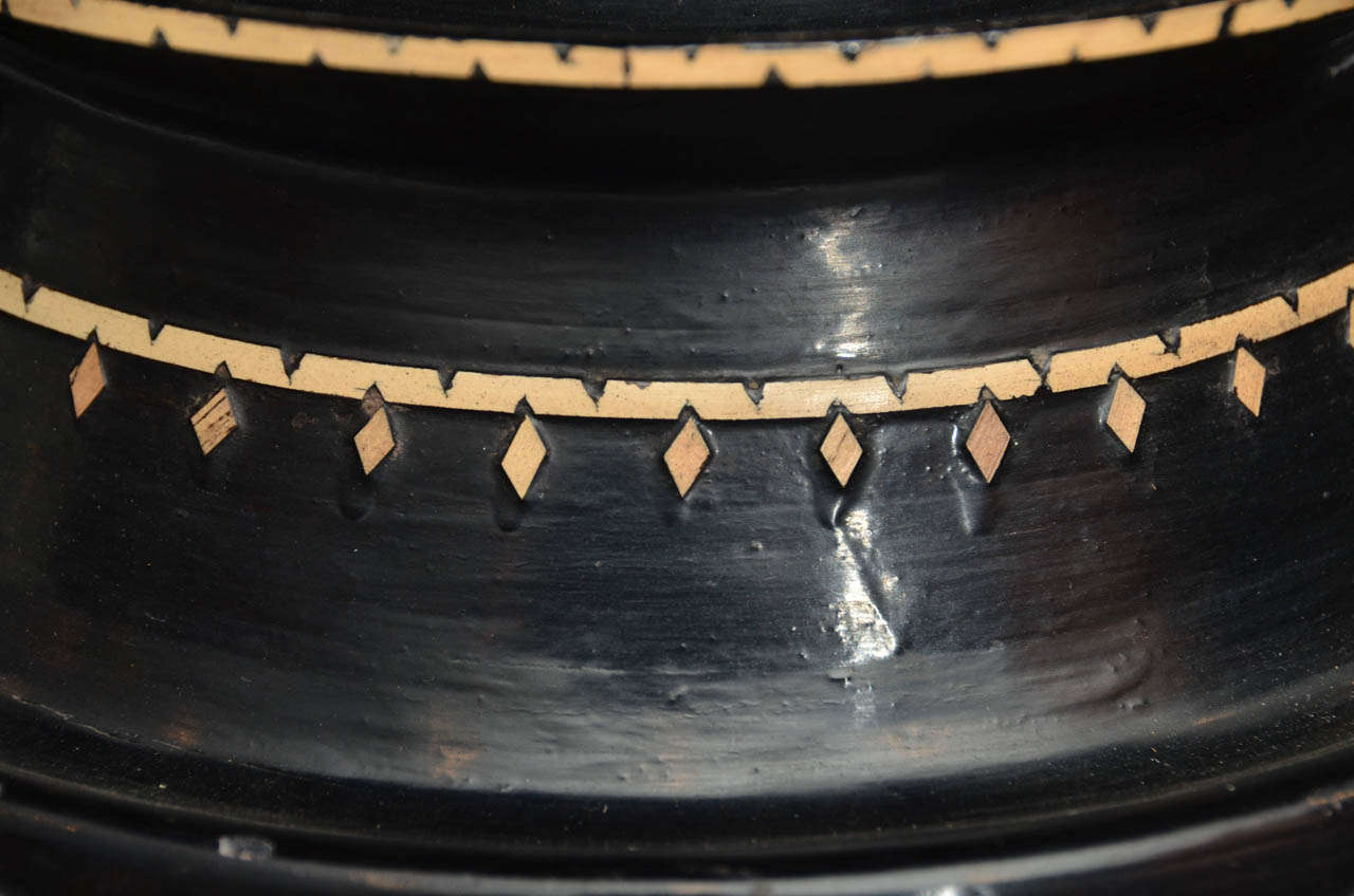 Late 19th century Black Lacquered Hsun Inlaid Lidded Offering, probably Burmese 6