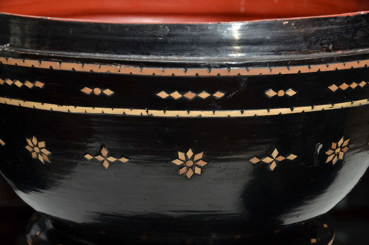 Late 19th century Black Lacquered Hsun Inlaid Lidded Offering, probably Burmese 7