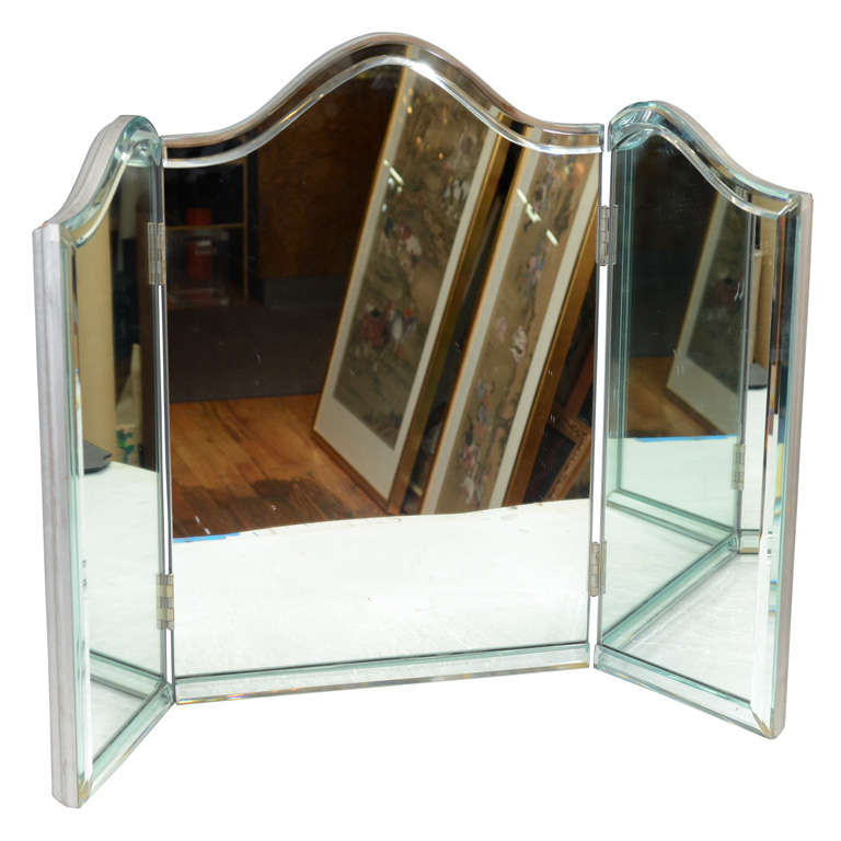 Vintage Hollywood Regency Tri-Fold Vanity Mirror For Sale - Vintage Hollywood Regency Tri-Fold Vanity Mirror At 1stdibs