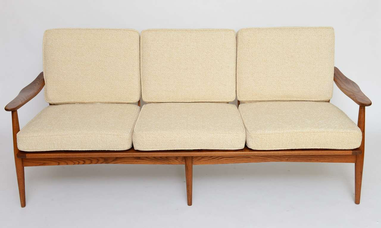 50s Sofa Velvet Point Seating Tables 50s Style Tail Sofa
