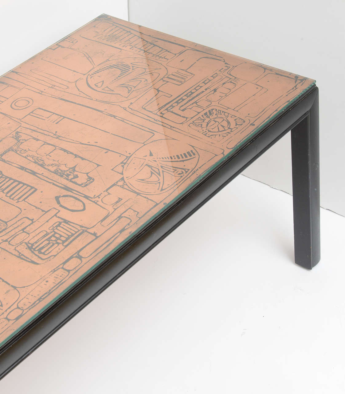 Hammered Copper Top Coffee Table In Good Condition For Sale In West Palm  Beach,