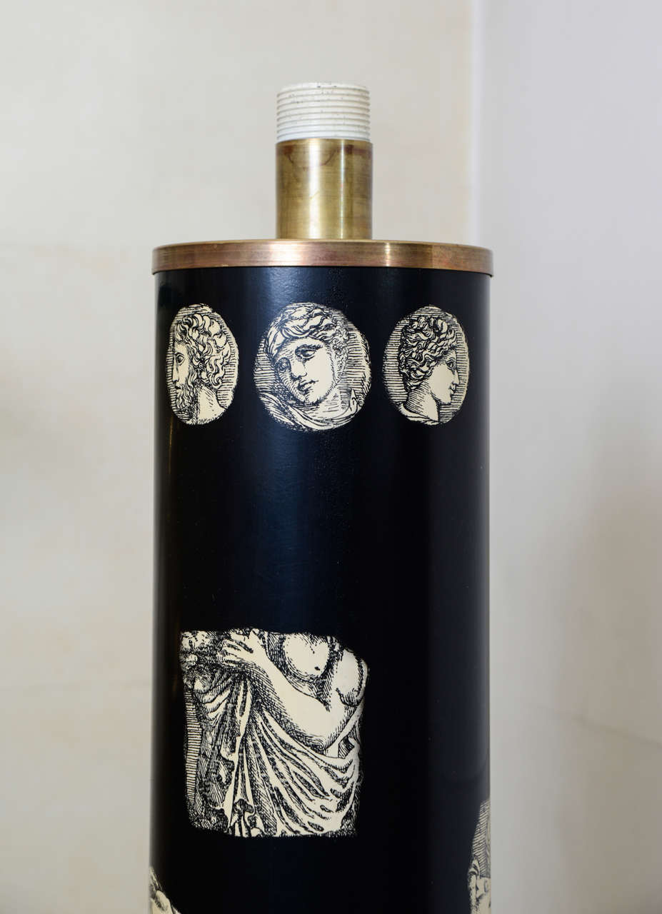 Tall Lamp by Piero Fornasetti In Excellent Condition For Sale In Paris Saint Ouen, FR