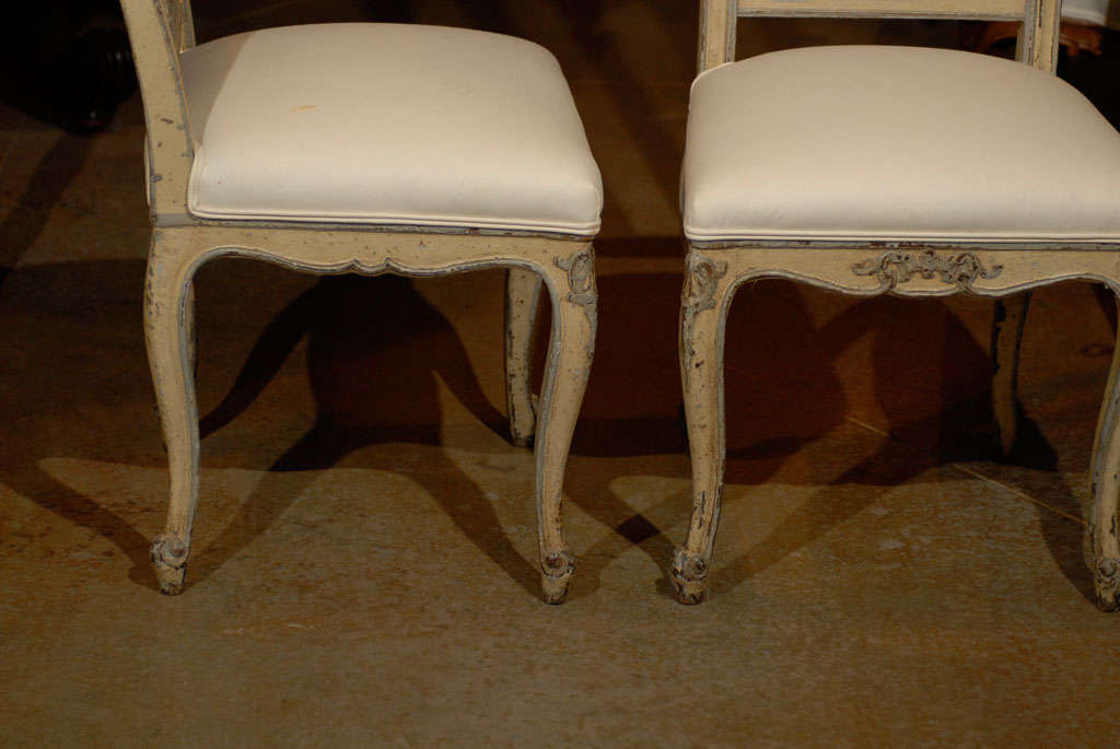19th Century Set of Six Rococo Style Belgian Painted Dining Room Chairs with Carved Crests For Sale