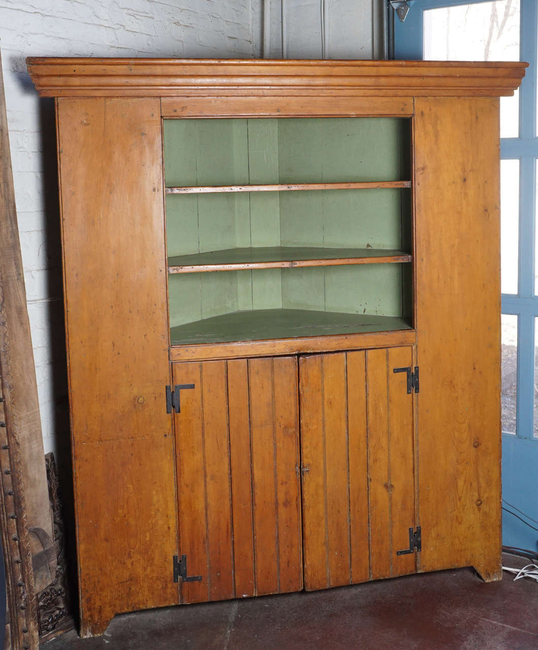 Knotty Pine Kitchen Cabinets For Sale: 19th Century Rustic American Corner Cupboard For Sale At