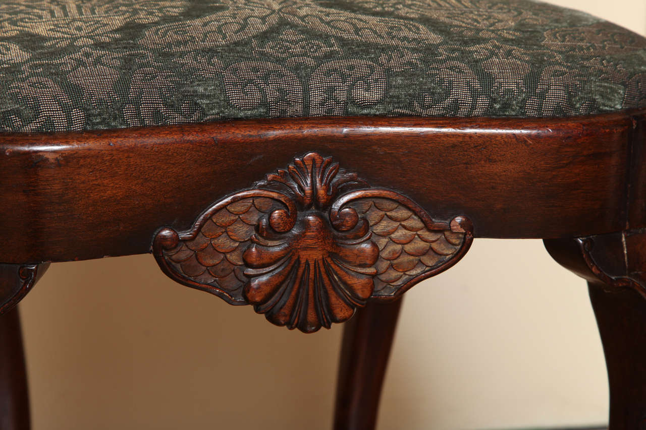 English Queen Anne Style Walnut Side Chair For Sale 3