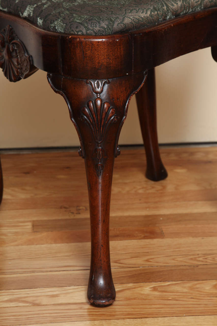 English Queen Anne Style Walnut Side Chair For Sale 4