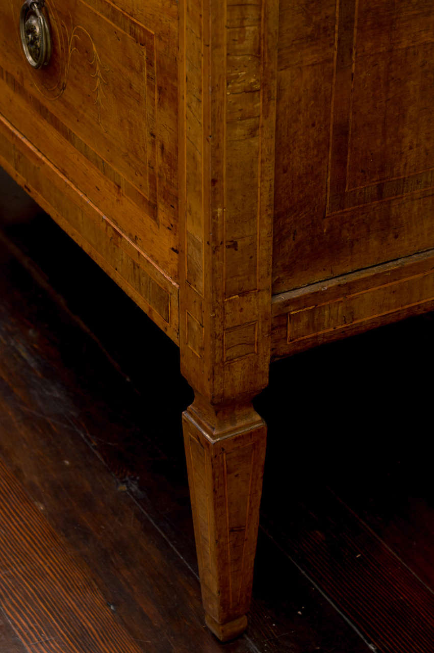 Boxwood 18th Century Italian Neoclassic Walnut and Marquetry Commode, Sicilian For Sale