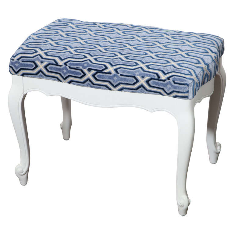Beautiful French Style White Lacquered Bench