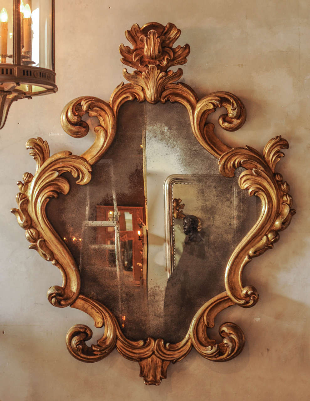 Large 18th century italian baroque carved giltwood mirror for Baroque mirror