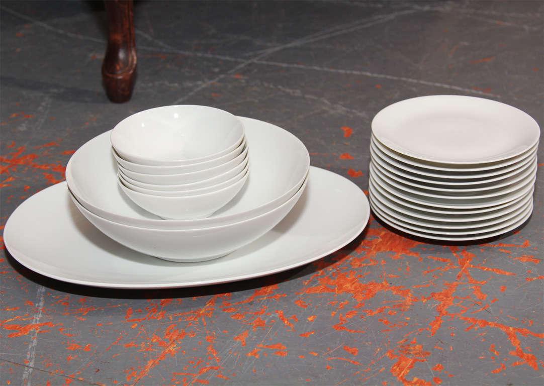 Set Of Raymond Loewy China At 1stdibs
