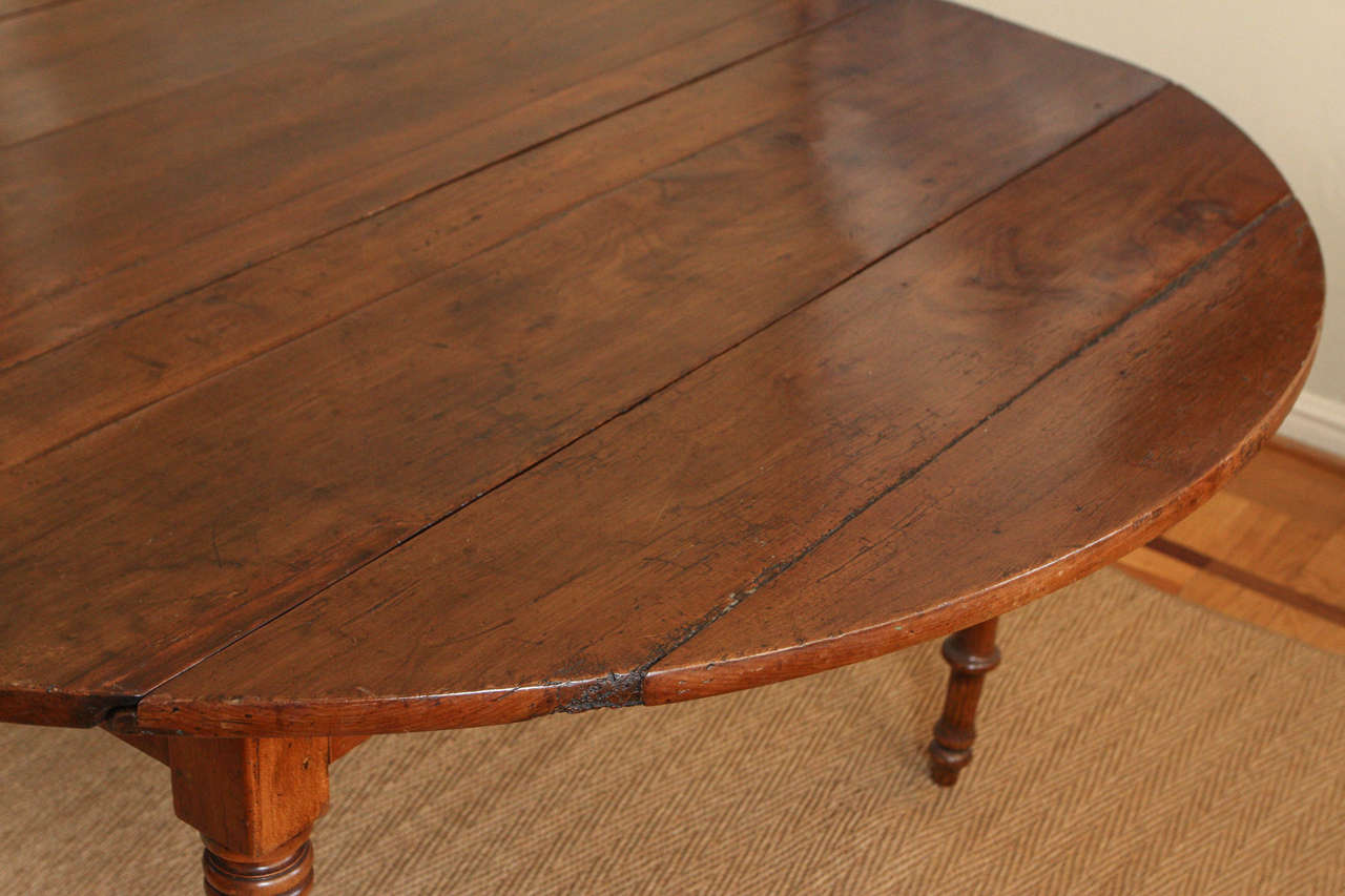 Rare English Oval Rectory Dining Table In Good Condition For Sale In Los Angeles, CA