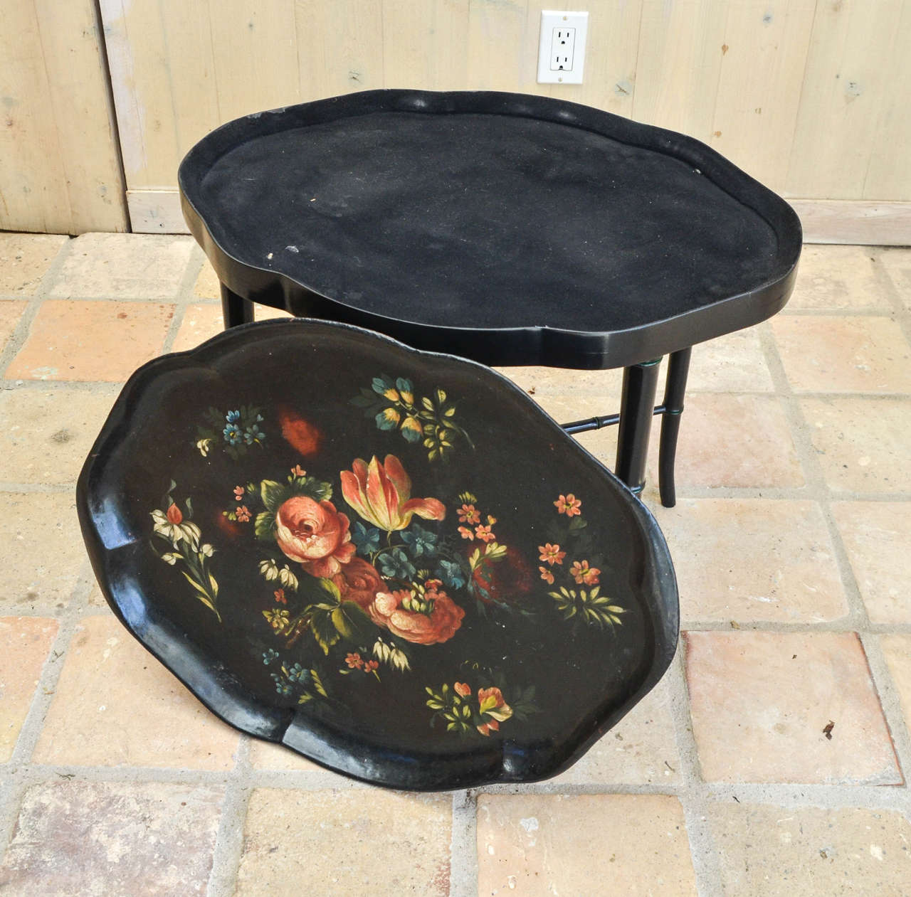 Victorian Black Papier Mâché Tray Table For Sale 1