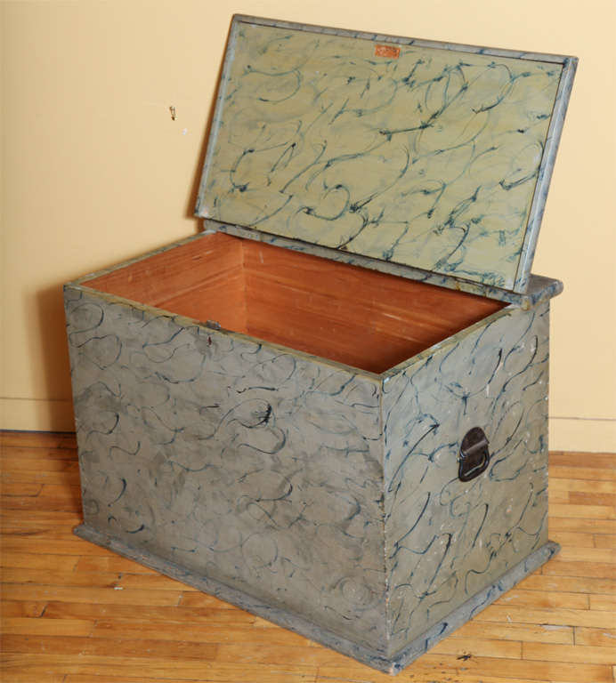 Paint Decorated Blanket Box. For Sale 2