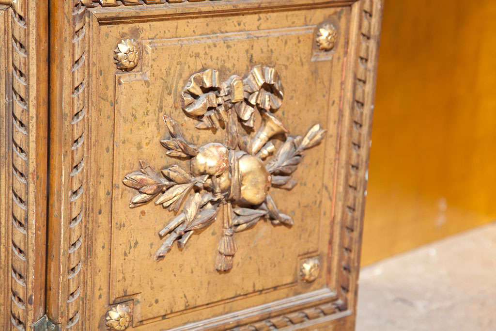 Gilt Mirrored Back Three-Panel Louis XVI Style Folding Screen Gilt Gold Finish For Sale 2