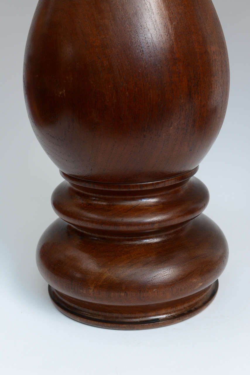 American Mid-Century Pair of Dark Hand-Turned Wood Table Lamps For Sale
