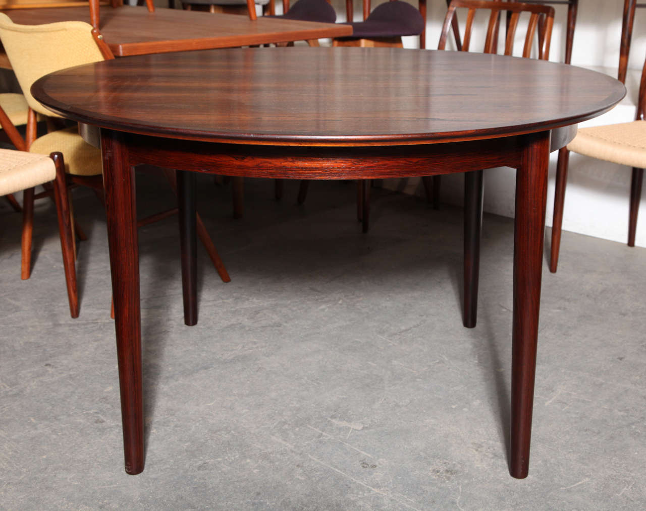 Round Dining Table By Arne Vodder With Two Leaves At 1stdibs