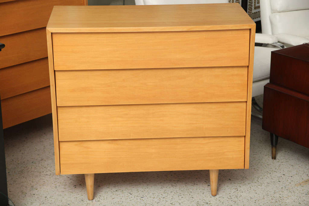 Pair of Florence Knoll Four-Drawer Chests 3