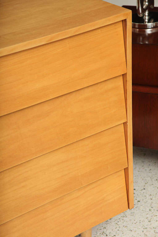 Pair of Florence Knoll Four-Drawer Chests 4