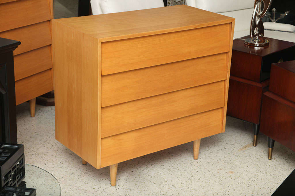Pair of Florence Knoll Four-Drawer Chests 2