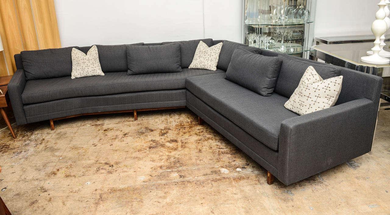 mid century modern sectional sofa thesofa. Black Bedroom Furniture Sets. Home Design Ideas