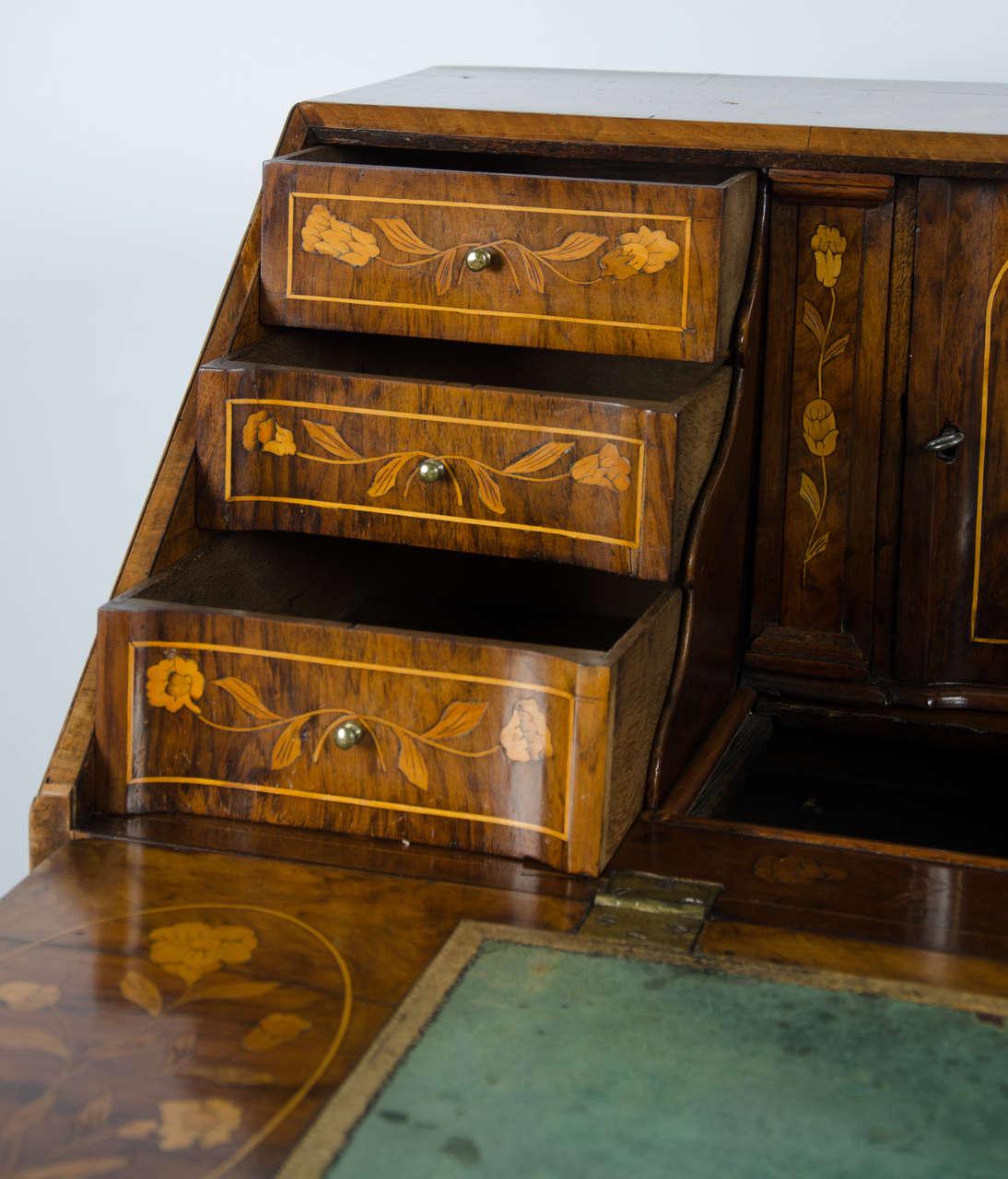 18th century walnut dutch marquetry bureau for sale at 1stdibs for Bureau for sale