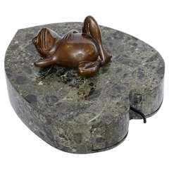 Green Marble Lotus Leaf Box with Reclining Frog