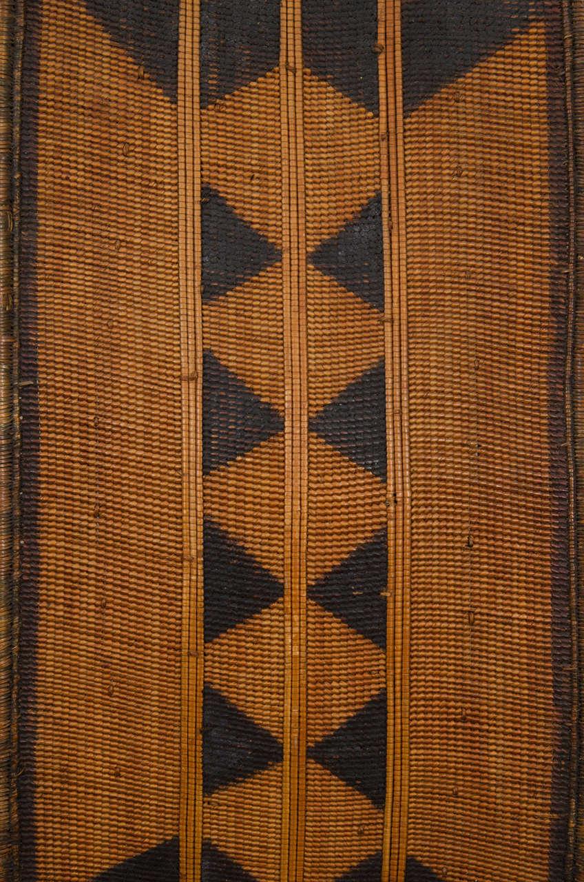 Early 20th Century African Poto Tribal Wicker Shield, Congo 3