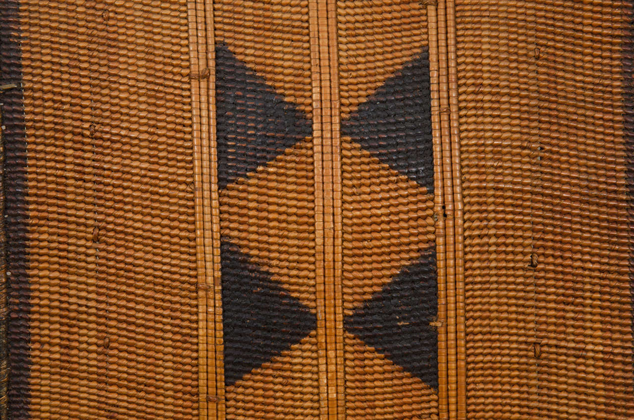 Early 20th Century African Poto Tribal Wicker Shield, Congo 5
