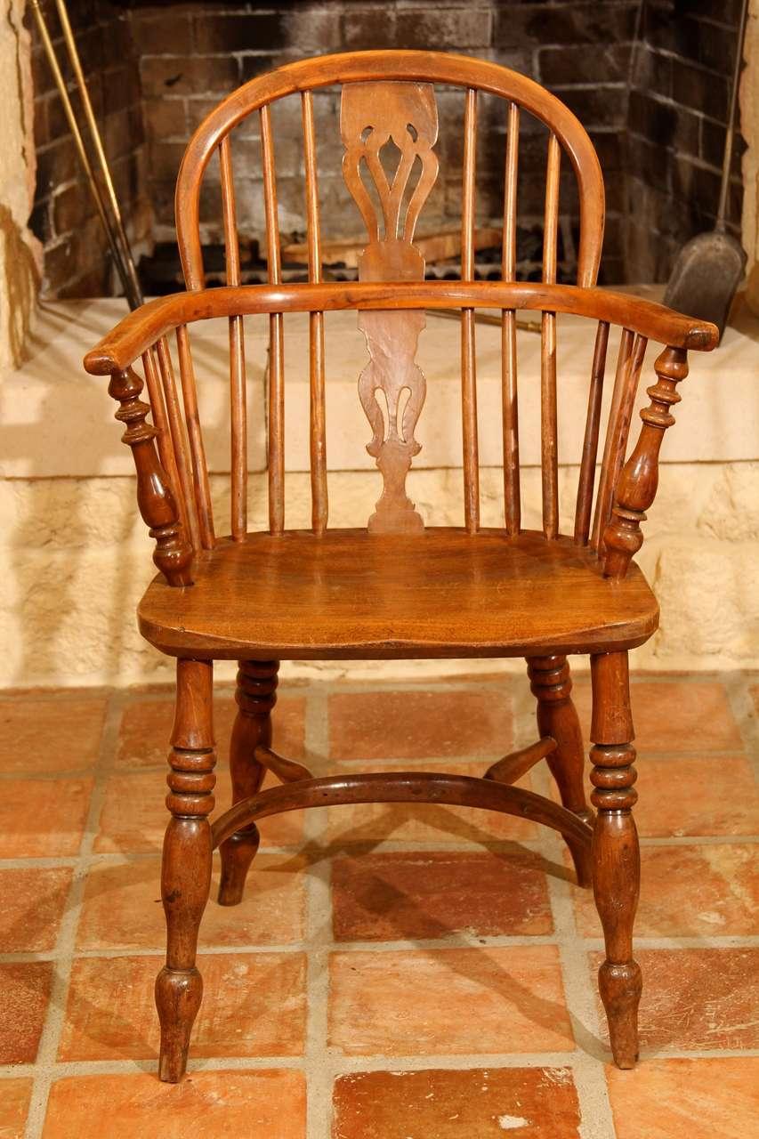 english low back windsor arm chair at 1stdibs. Black Bedroom Furniture Sets. Home Design Ideas