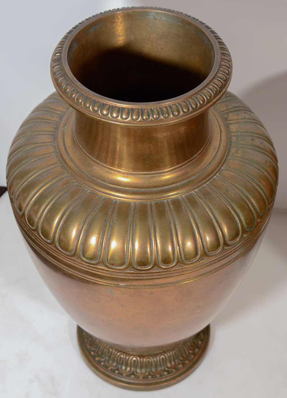 20th Century Pair of Bronze Tiffany Urns For Sale 2
