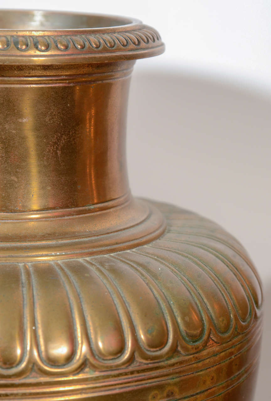 20th Century Pair of Bronze Tiffany Urns For Sale 4