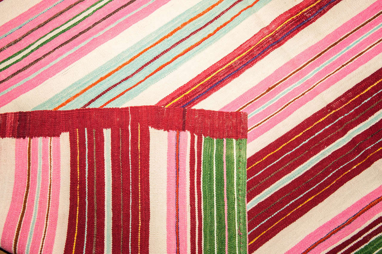 Vintage Colorful Striped Tunisian Flat-Weave Rug In Excellent Condition For Sale In Milan, IT