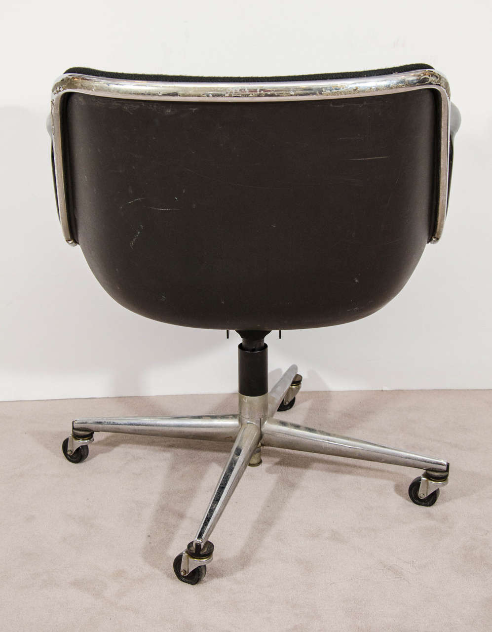 20th Century Midcentury Charles Pollock for Knoll Executive Chair with Original Label For Sale
