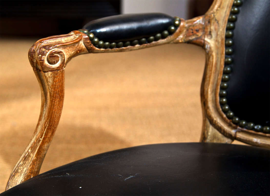 louis xv carved beechwood fauteuil en cabriolet at 1stdibs. Black Bedroom Furniture Sets. Home Design Ideas