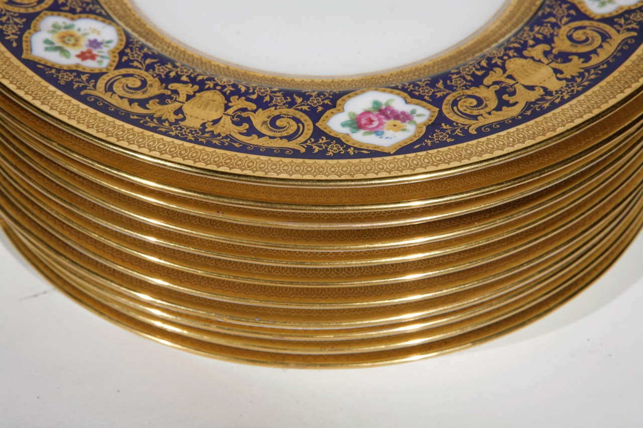 Set of 12 English Cowell and Hubbard Company Plates For Sale 2