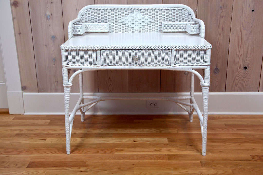 American Antique Deco Wicker Desk and Chair For Sale - Antique Deco Wicker Desk And Chair For Sale At 1stdibs