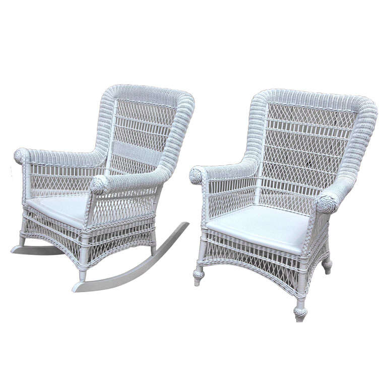 Merveilleux Victorian Wicker Rolled Arm Chairs For Sale
