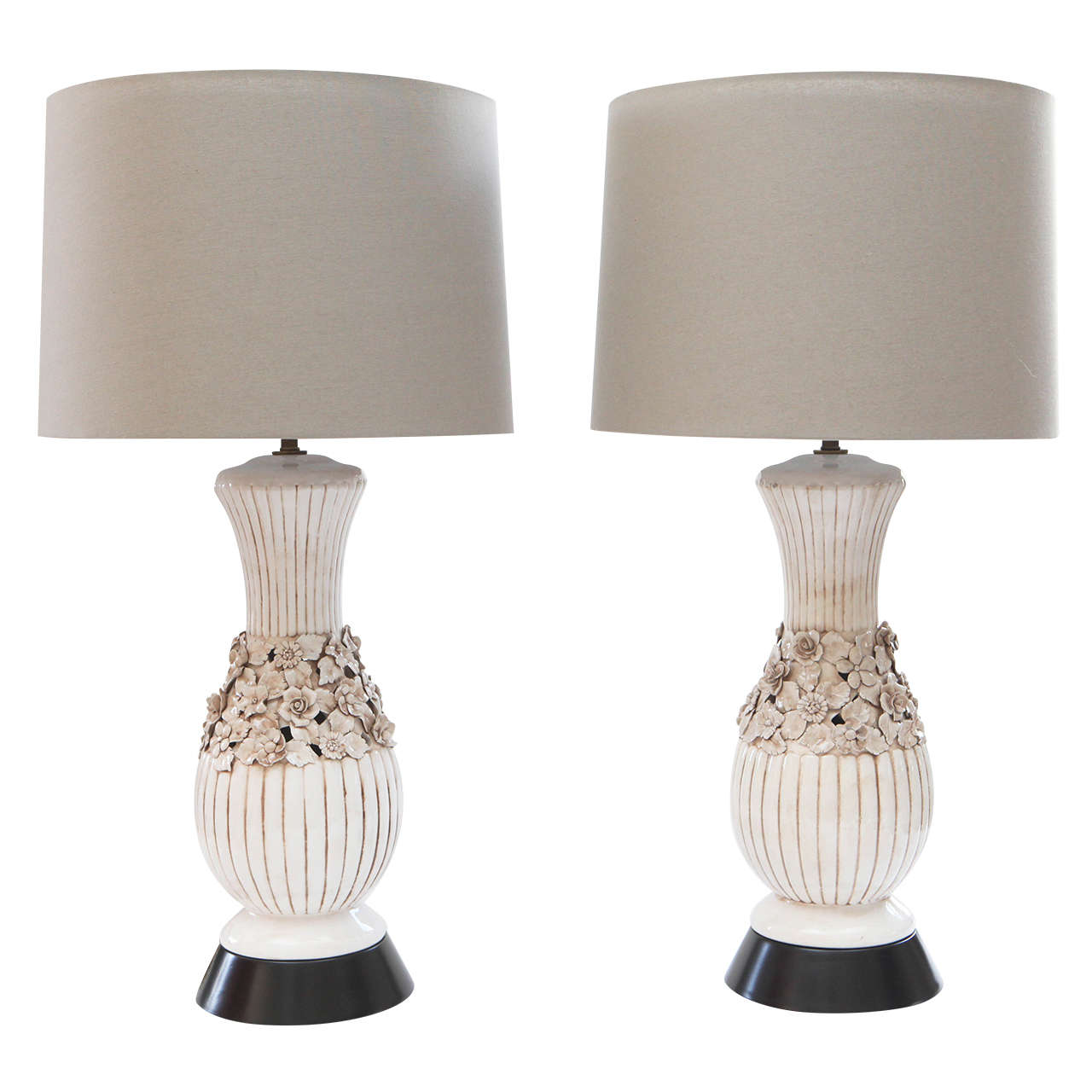 Pair blanc de chine lamps at 1stdibs for Table de chine